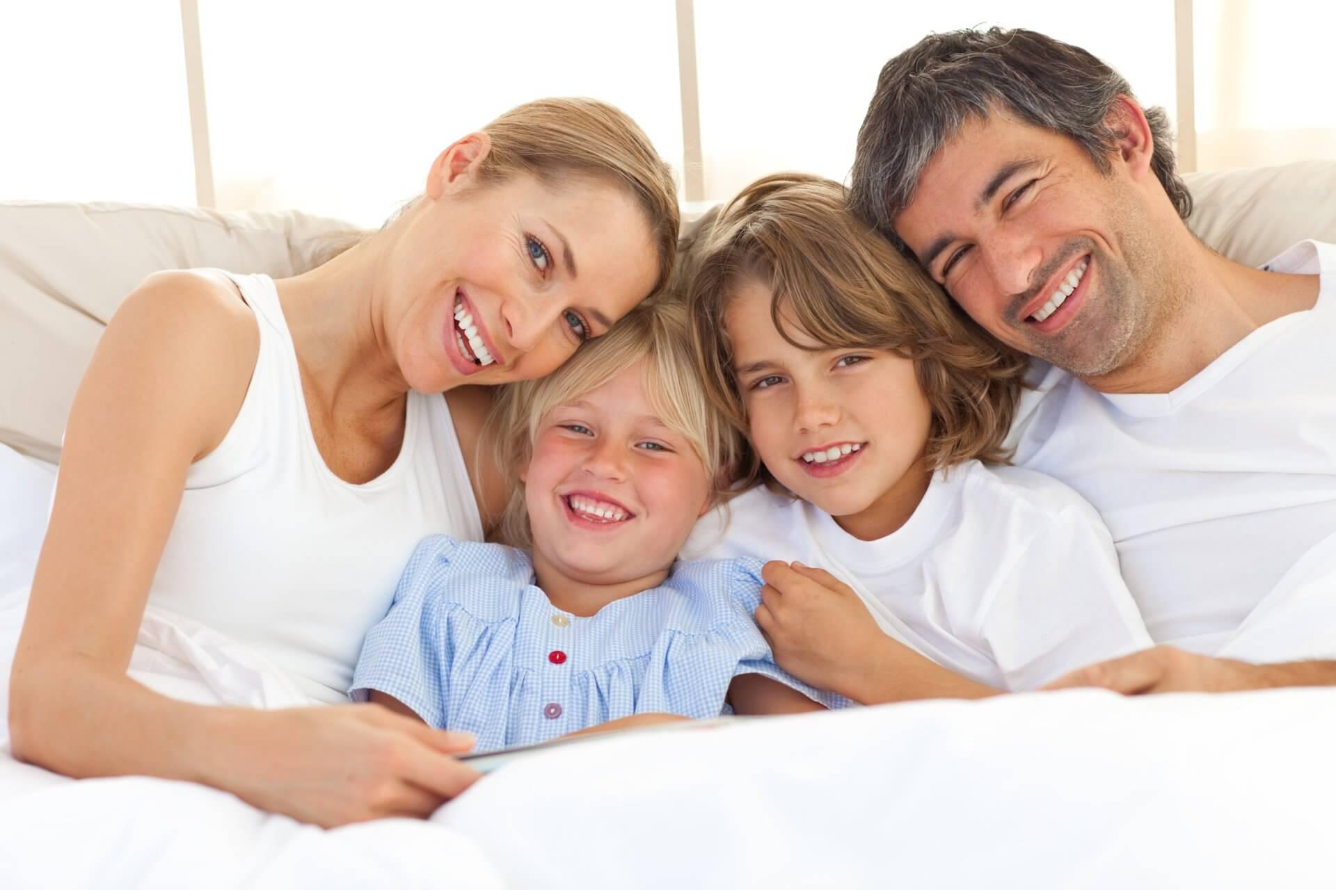 Женщины мужчины дети фото
